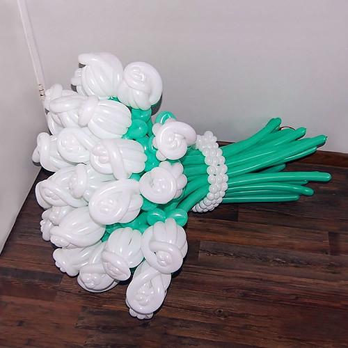 Букет из шаров Amour из 21 розы