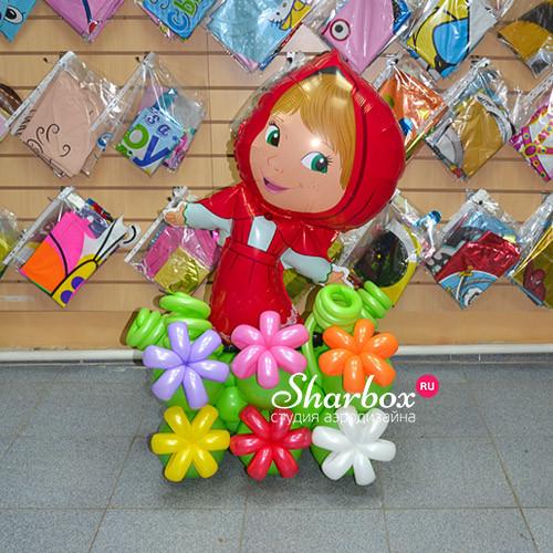 Фигура из шаров Маша на полянке №2. Фото