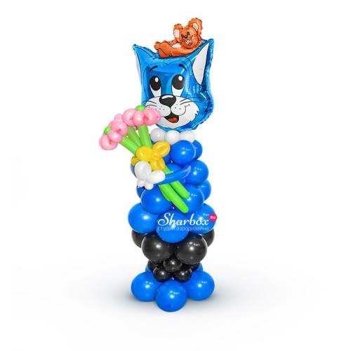 Кот Том из шаров с букетом