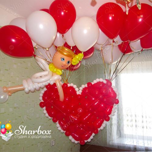 Сердце летающее на шарах с ангелом