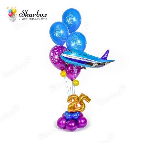 Фонтан из шаров с самолетом в Тюмени