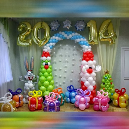 Новогоднее оформление из шаров №3
